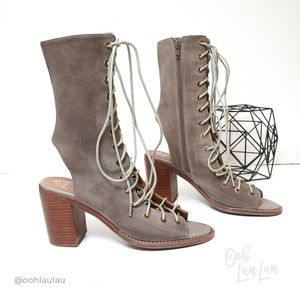 Jeffrey Campbell Countessa Peep toe Lace up Bootie